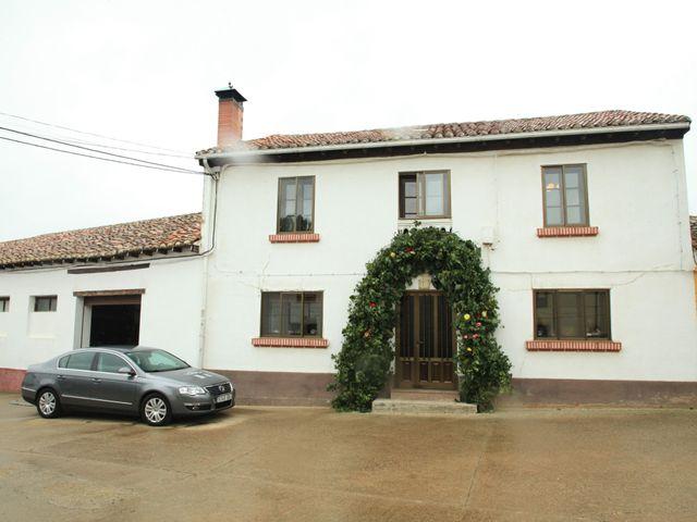 La boda de Gonzalo y Maitane en Calahorra De Boedo, Palencia 12