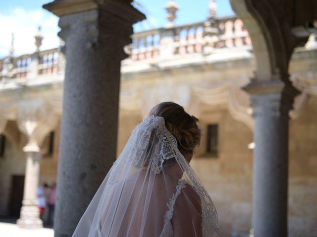 La boda de Mónica y Pablo en Santa Marta De Tormes, Salamanca 17
