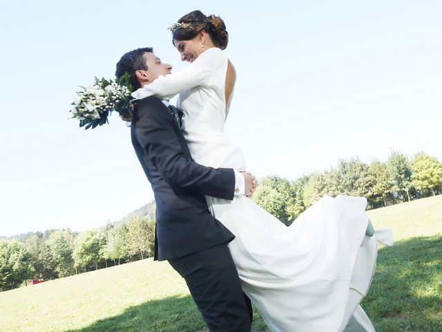 La boda de Ander y Marta en Zarautz, Guipúzcoa 24