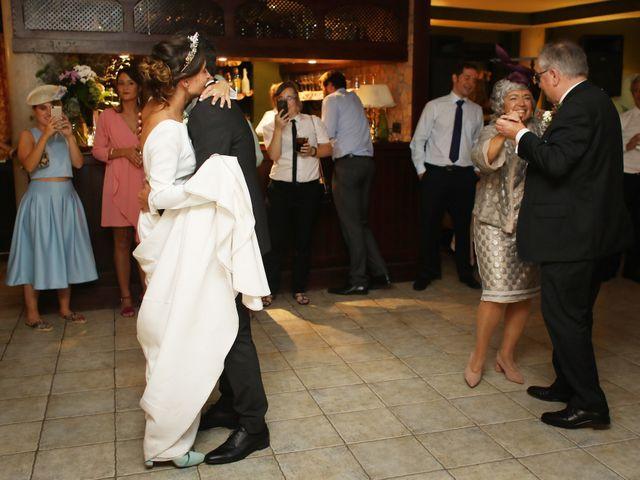 La boda de Ander y Marta en Zarautz, Guipúzcoa 32