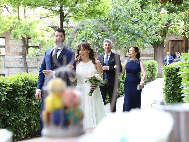 La boda de Ángel y Marta en Madrid, Madrid 13