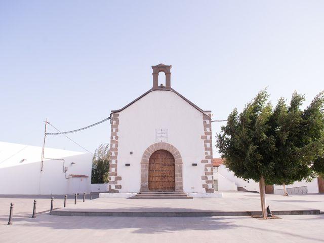 La boda de Fernando y Nayra en Juan Grande, Las Palmas 16