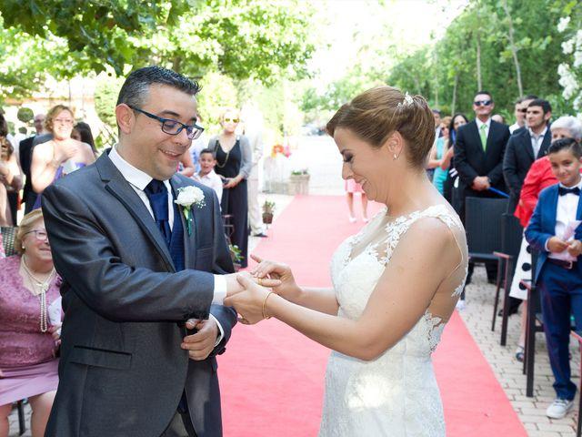 La boda de VIRGINIA y GONZALO en Illescas, Toledo 12