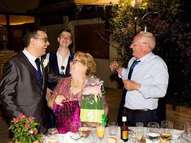 La boda de VIRGINIA y GONZALO en Illescas, Toledo 17