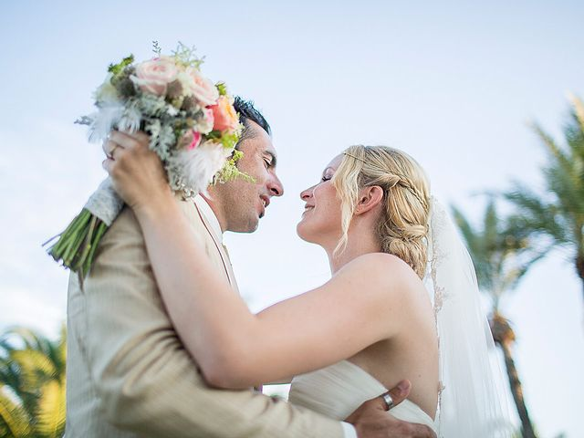 La boda de David y Nadine en Benidorm, Alicante 55