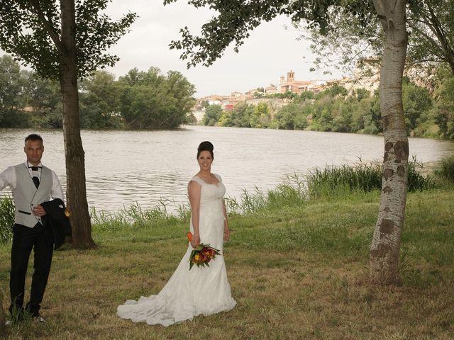 La boda de Antonio y Silvia en Tordesillas, Valladolid 1
