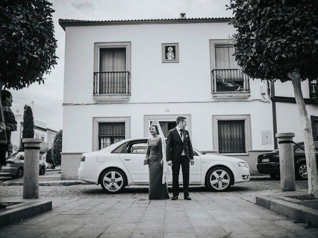 La boda de Miguel Angel y Maria Isabel en Guillena, Sevilla 71