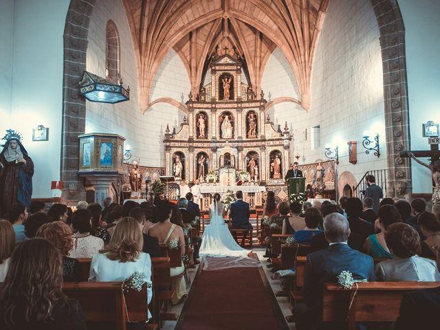 La boda de Jose y Beatriz en Castillo De Bayuela, Toledo 54