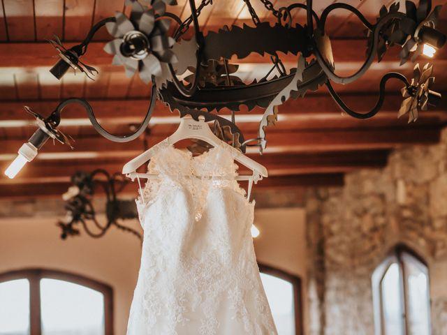La boda de Jonathan y Ylenia en Sallent, Barcelona 3