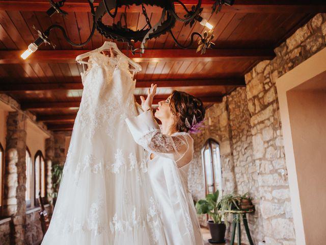 La boda de Jonathan y Ylenia en Sallent, Barcelona 16
