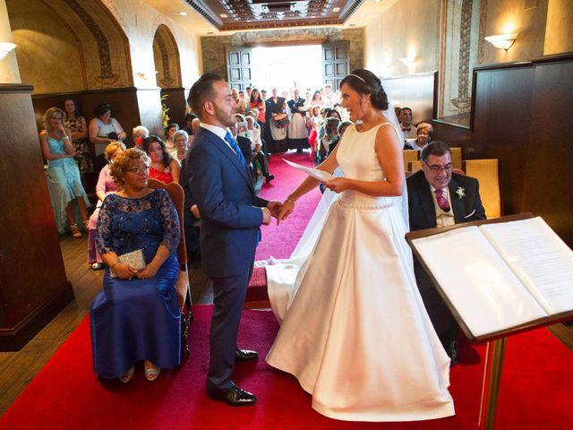 La boda de David y Raquel en Soto Del Barco, Asturias 16