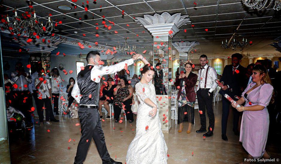 La boda de Antonio y Azahara en Arroyo De La Miel, Málaga