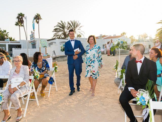 La boda de Enrique  y Maria  en Corralejo, Las Palmas 31