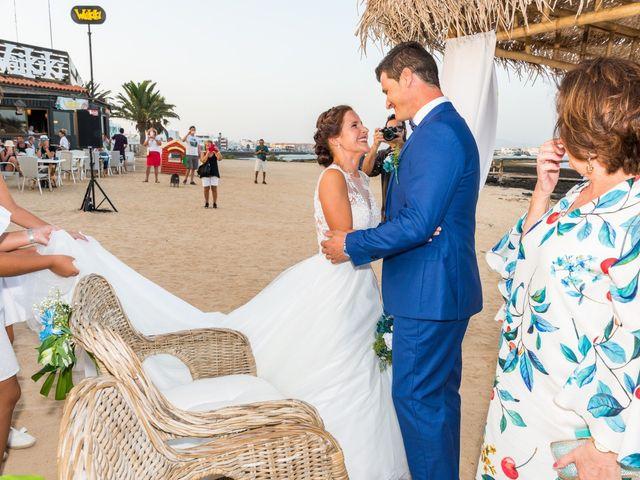 La boda de Enrique  y Maria  en Corralejo, Las Palmas 36