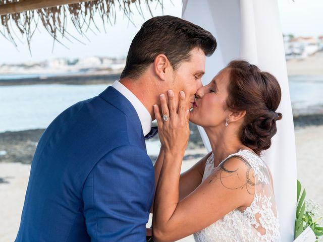 La boda de Enrique  y Maria  en Corralejo, Las Palmas 41