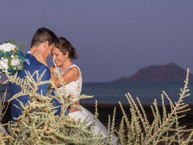 La boda de Enrique  y Maria  en Corralejo, Las Palmas 47