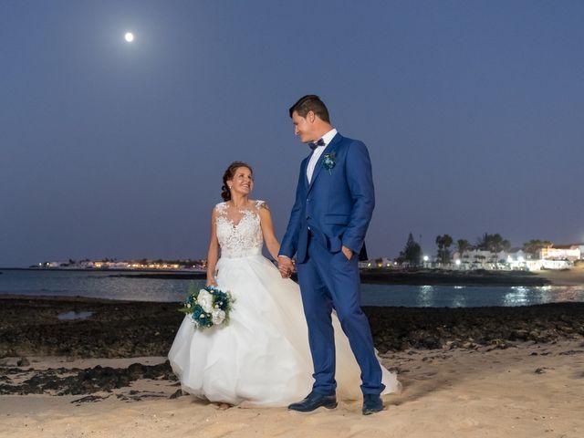 La boda de Enrique  y Maria  en Corralejo, Las Palmas 48