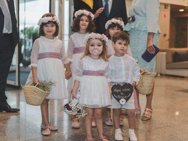 La boda de José Ramón  y Myriam en Pamplona, Navarra 16