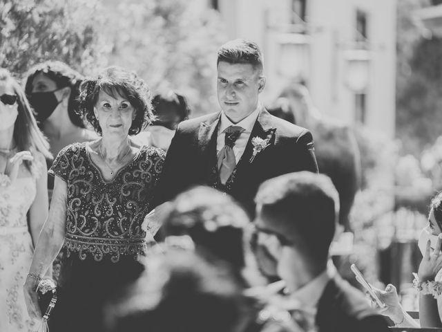 La boda de Jose y Raquel en Madrid, Madrid 23