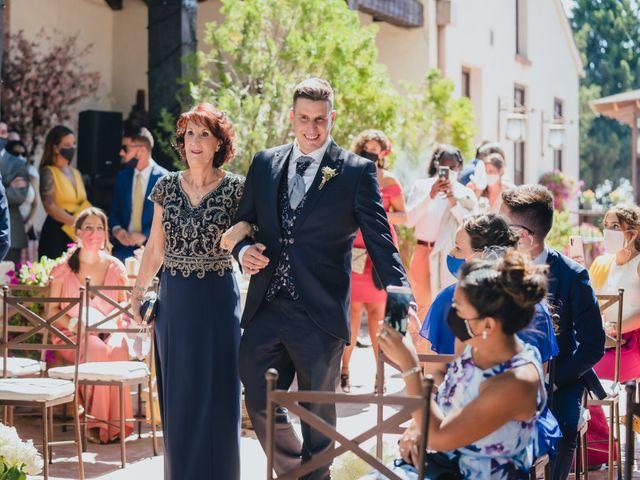 La boda de Jose y Raquel en Madrid, Madrid 24