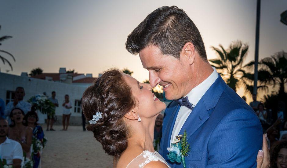 La boda de Enrique  y Maria  en Corralejo, Las Palmas