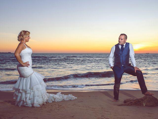La boda de Juanma y Noelia en Cádiz, Cádiz 5