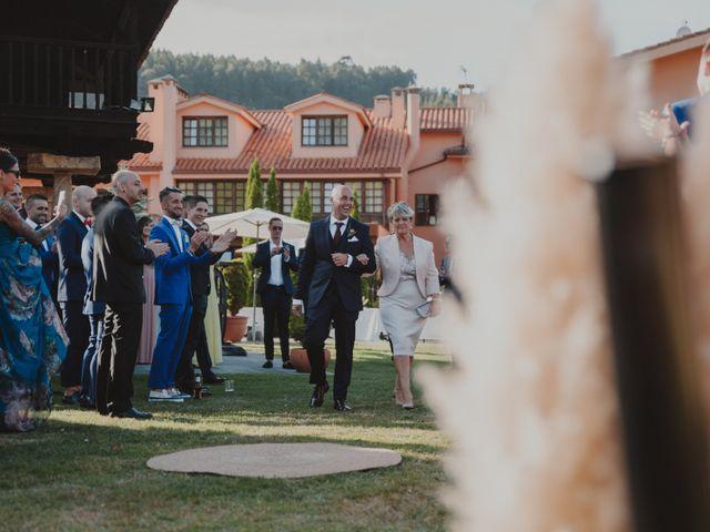 La boda de Manu y Luci en Naveces, Asturias 41