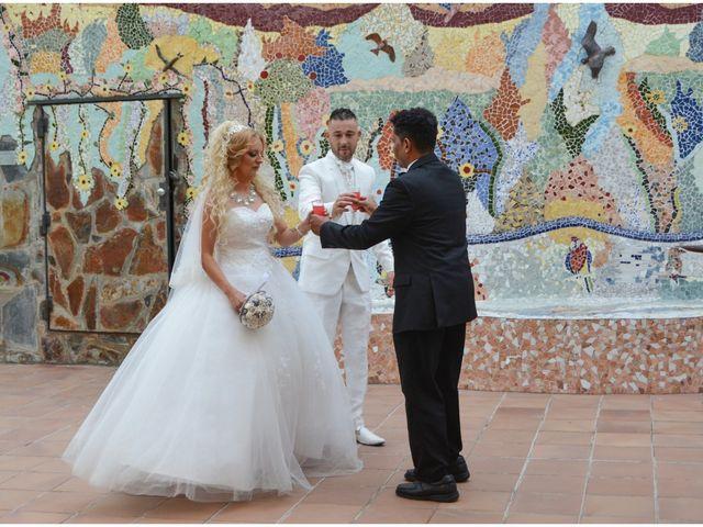 La boda de Carlos y Sara en Sabadell, Barcelona 2