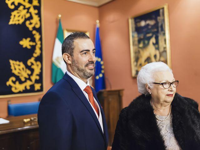 La boda de Fernando y Encarnación en Alcala De Guadaira, Sevilla 27