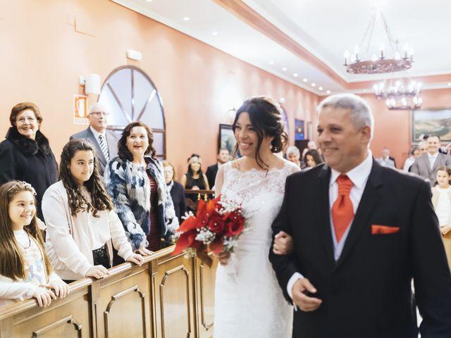 La boda de Fernando y Encarnación en Alcala De Guadaira, Sevilla 28