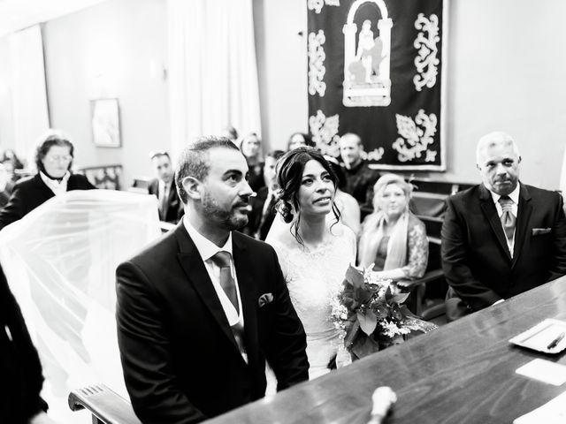 La boda de Fernando y Encarnación en Alcala De Guadaira, Sevilla 29