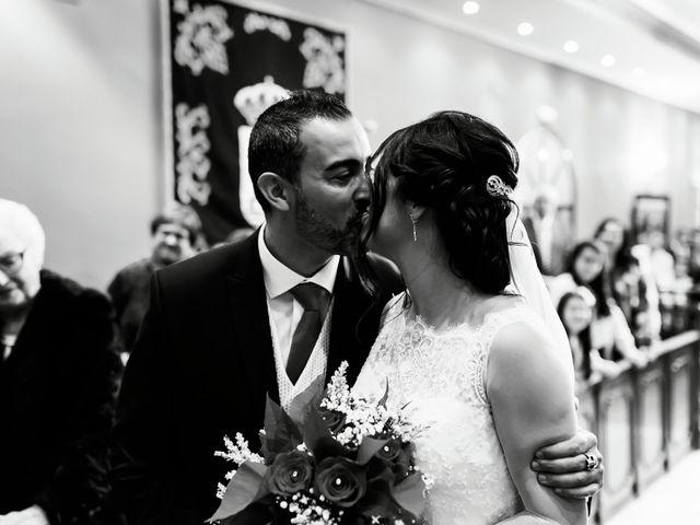 La boda de Fernando y Encarnación en Alcala De Guadaira, Sevilla 33