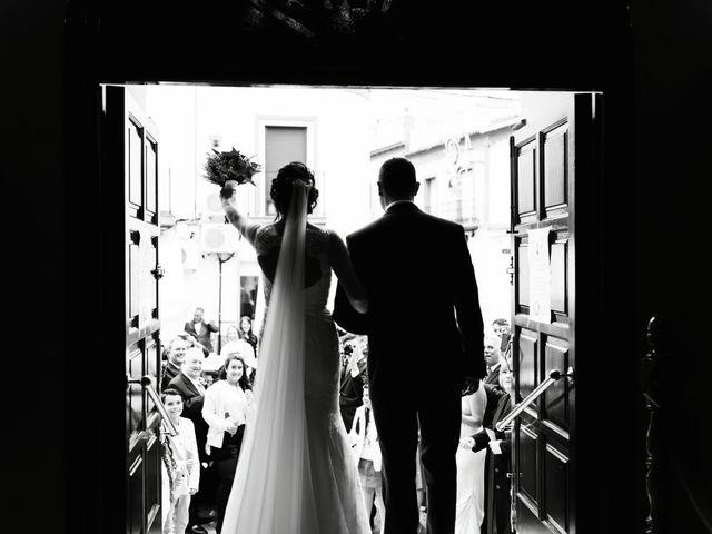La boda de Fernando y Encarnación en Alcala De Guadaira, Sevilla 41