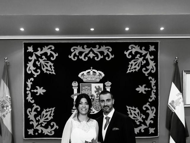 La boda de Fernando y Encarnación en Alcala De Guadaira, Sevilla 84