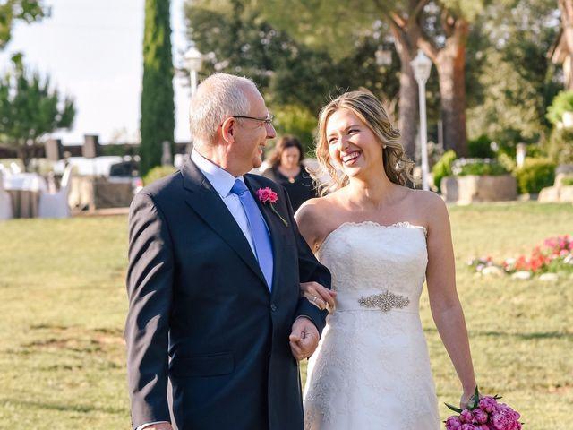La boda de Jean-Philippe y Mª Rosario en Navalagamella, Madrid 16