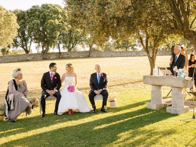 La boda de Jean-Philippe y Mª Rosario en Navalagamella, Madrid 17