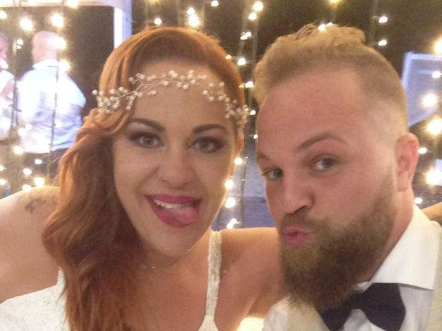 La boda de Sergio  y Davinia  en Valencia, Valencia 12