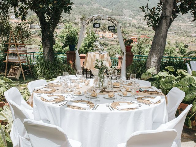 La boda de Diego y Geraldine en Santa Cruz De La Palma, Santa Cruz de Tenerife 27