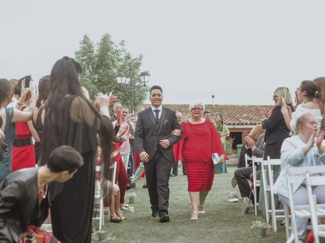 La boda de Dani y Eli en Centelles, Barcelona 12