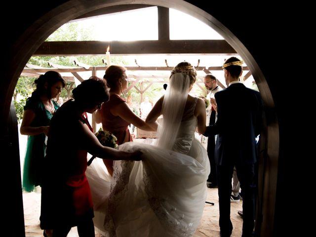 La boda de Mihai y Cristina en Valdetorres De Jarama, Madrid 26