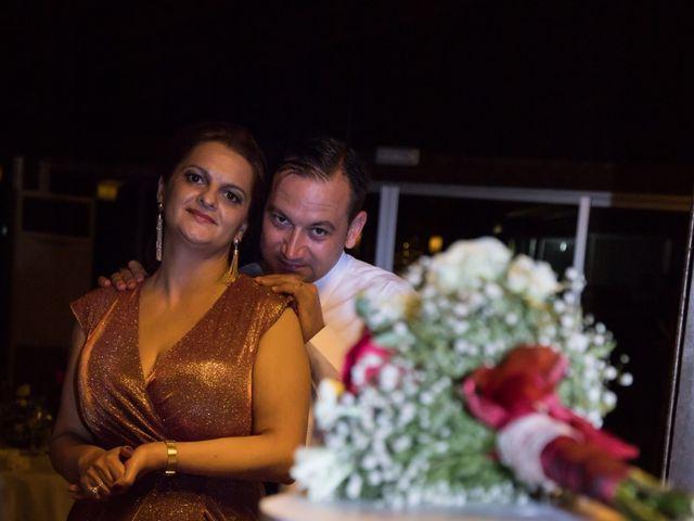 La boda de Mihai y Cristina en Valdetorres De Jarama, Madrid 36