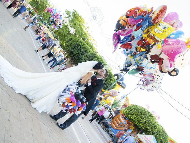 La boda de Juan y Noemí en Alhaurin De La Torre, Málaga 16