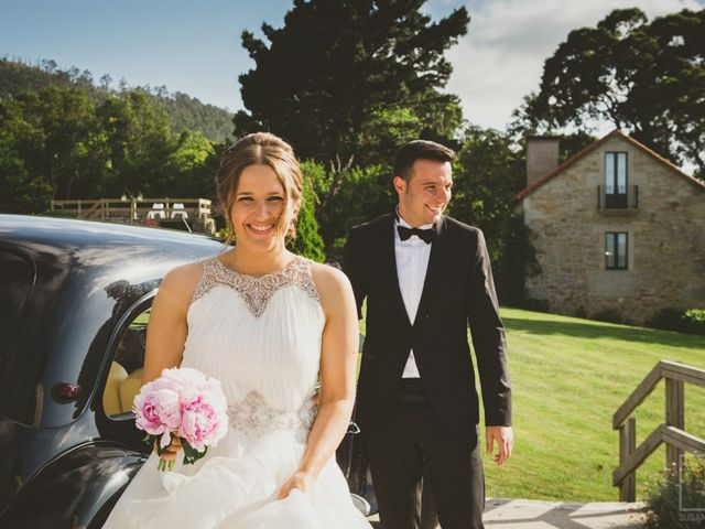 La boda de Carlos y Paula en Laxe, A Coruña 16