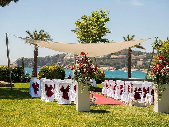 La boda de Eduard y Elena en S'agaro, Girona 31