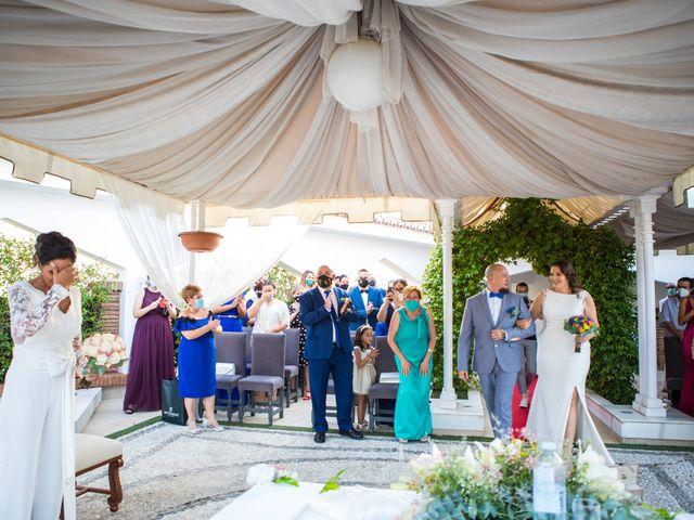 La boda de Mari Carmen y Noelia en Huetor Vega, Granada 13