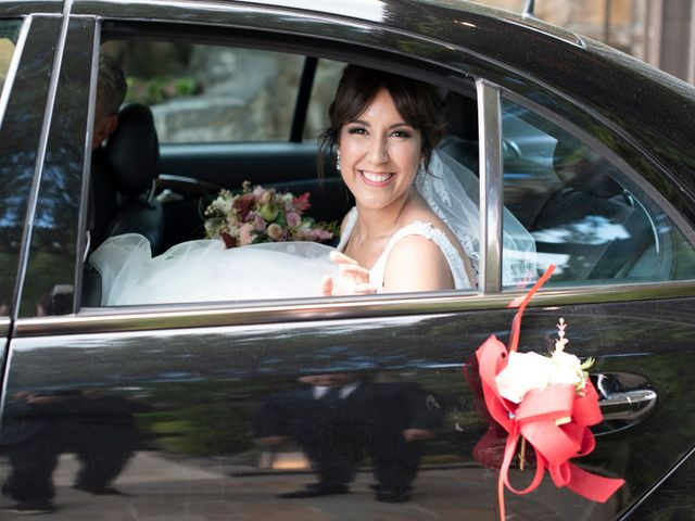La boda de Maite y Miguel en Miraflores De La Sierra, Madrid 27