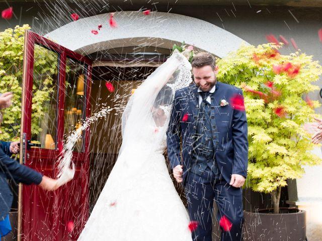 La boda de Maite y Miguel en Miraflores De La Sierra, Madrid 35