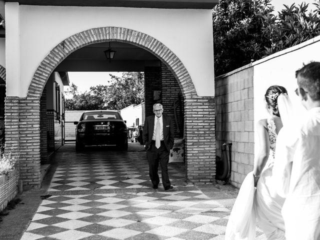 La boda de Manuel y Maria del Mar en Coria Del Rio, Sevilla 17