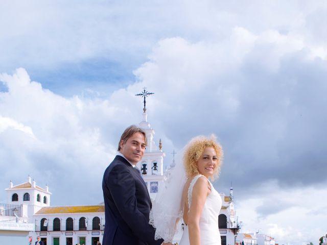 La boda de Joaquin y Lourdes en El Rocio, Huelva 23