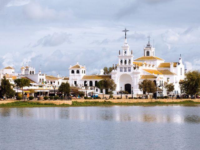 La boda de Joaquin y Lourdes en El Rocio, Huelva 27
